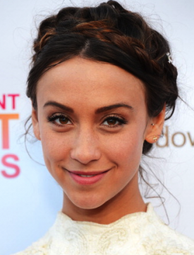 Stella Maeve To Star In CW Pilot 'Company Town', Heather Lind Is Female Lead In 'Turn'