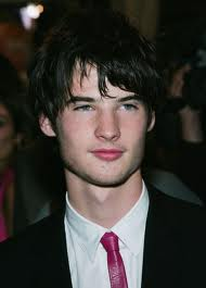 Tom Sturridge Locks A Lead In Searchlight's 'Far From The Madding Crowd'