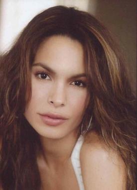 TNT's 'Major Crimes' Taps Nadine Velazquez As New Regular, Promotes Robert Gossett