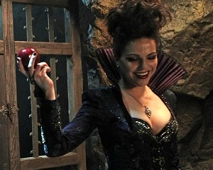 Exclusive Once Upon a Time Video: The Queen Plots Red Delicious Revenge Against Snow White