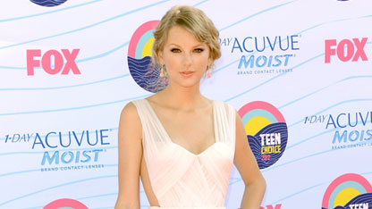 Swift Reacts to Mayer's 'Dear John' Comments