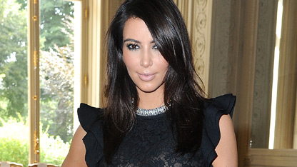 Kim Kardashian Goes Back to Blonde