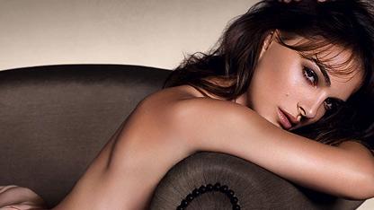Natalie Portman Goes Naked