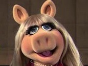 Royal Baby Awakens Miss Piggy's Maternal Instincts (Video)