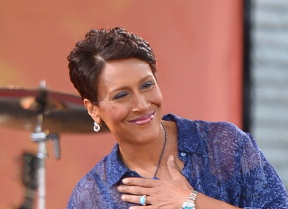 ABC: Robin Roberts Will Return to 'GMA' Before Treatment (Update)