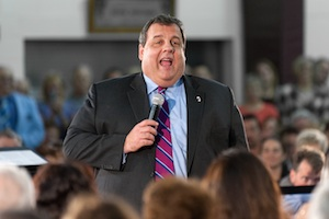 Mark Zuckerberg to Host Chris Christie Fundraiser