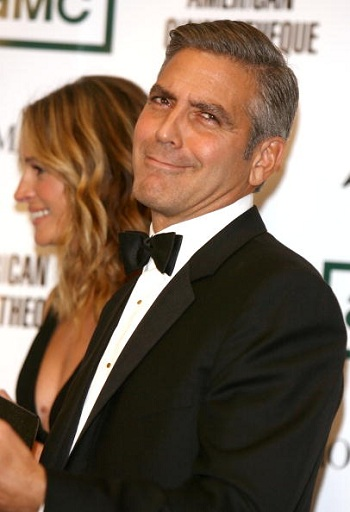 George Clooney and Julia Roberts Court Each Other (With a Lawsuit)