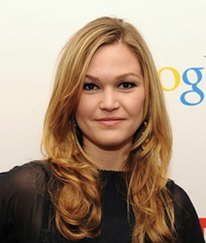 Julia Stiles Joins Mary Pickford Biopic 'The First'