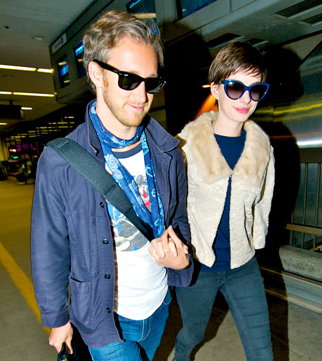 PICTURE: Anne Hathaway, Adam Shulman Return From Honeymoon