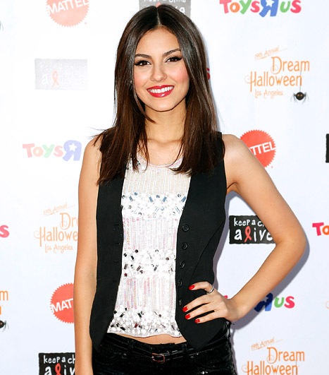 Sexy or scary costumes for Halloween? 'Fun Size' stars Victoria Justice and Jane Levy weigh in