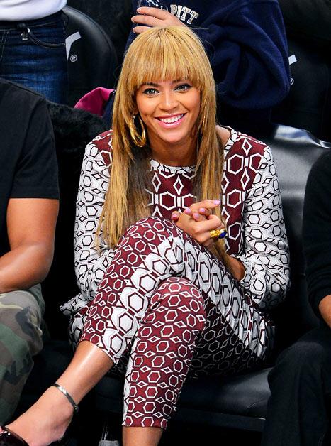 Beyonce Gets Bangs!