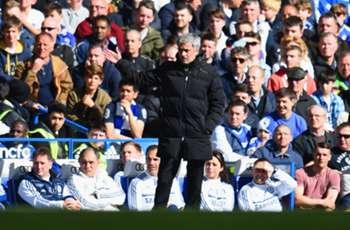 Eto'o: Mourinho 'sometimes loses his mind'