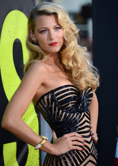 Blake Lively steps out at the premiere of 'Savages' in Los Angeles on June 25, 2012 -- Getty Images