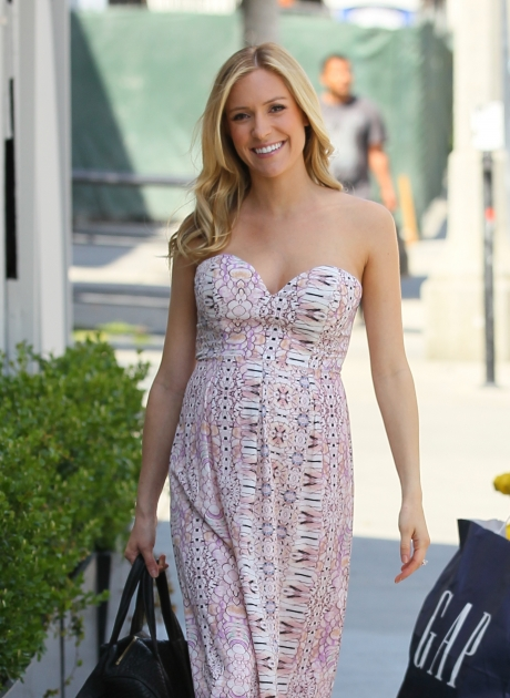 A pregnant Kristin Cavallari is seen leaving Bagatelle in Los Angeles on March 27, 2012 -- Getty Premium