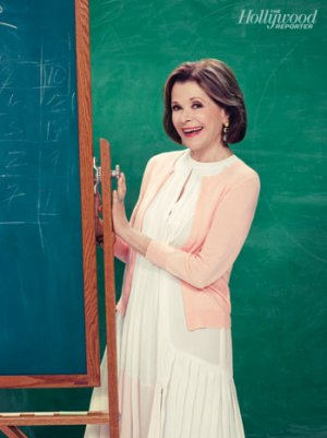 Emmys: Jessica Walter on Lucille's 'Arrested' Evolution, the Lingering Appeal of 'Dinosaurs'