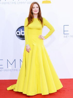 Emmys 2012: Julianne Moore Credits Tina Fey and Katie Couric for Sarah Palin Scrutiny