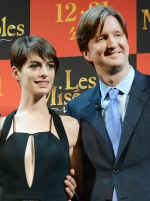 Berlin 2013 Press Conference: Anne Hathaway, Tom Hooper