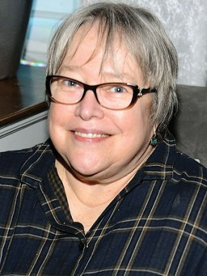 'American Horror Story' Enlists Kathy Bates for Season 3