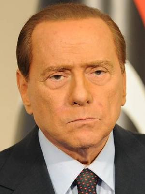 Silvio Berlusconi Camp Uses Seaside Air Blitz to Rally Supporters Over Summer Break