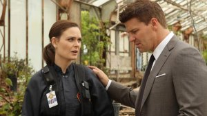 'Bones' Hits 150 Episodes With Experiment in Storytelling