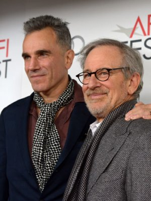 Steven Spielberg Receives Standing Ovation at 'Lincoln' L.A. Premiere