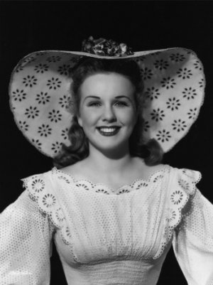 Deanna Durbin, 1930s Child Star, Dies at 91