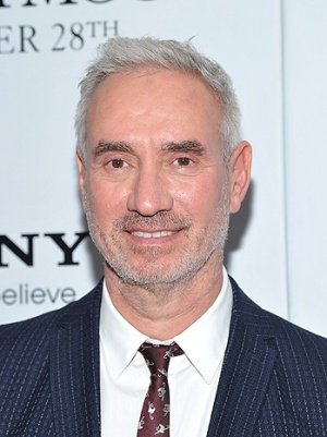 Roland Emmerich: 'Independence Day' 2 to Feature Gay Character (Video)
