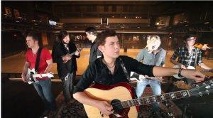 'American Idol' Winner Scotty McCreery Does the 'Harlem Shake' (Video)