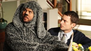 'Wilfred's' Elijah Wood on Potential Ending and Putting on the Dog Suit