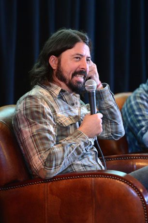 Dave Grohl Answers Fan Questions in Reddit 'Ask Me Anything' Chat