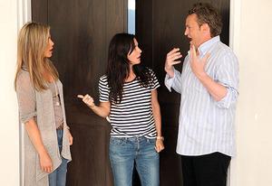 Jennifer Aniston, Courteney Cox and Matthew Perry | Photo Credits: Michael Rozman/Warner Bros