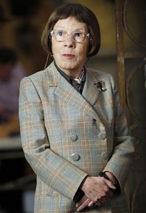 Linda Hunt | Photo Credits: Cliff Lipson/CBS