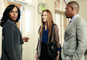 Kerry Washington, Darby Stanchfield and Columbus Short | Photo Credits: Ron Tom/ABC