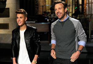 Justin Bieber and Jason Sudeikis | Photo Credits: NBC