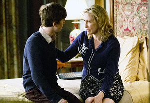 Vera Farmiga and Freddie Highmore | Photo Credits: Joseph Lederer/A&E