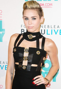 Miley Cyrus | Photo Credits: Alexander Tamargo/WireImage