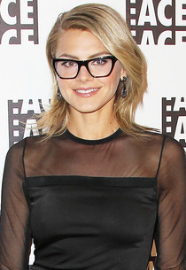 Eliza Coupe | Photo Credits: Jonathan Leibson/WireImage
