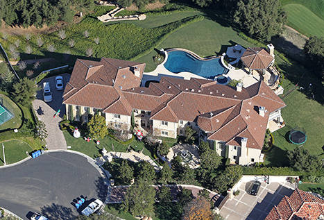 See Britney Spears' Huge $25,000-a-Month Rental House