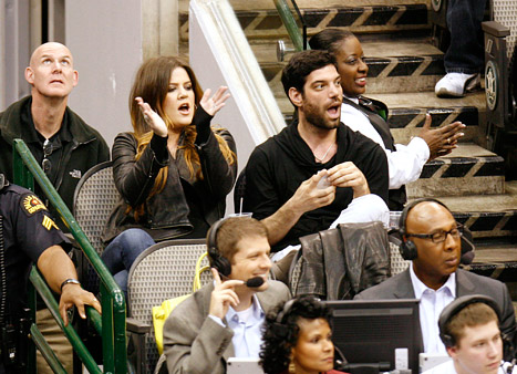 Khloe Kardashian Cheers on Lamar Odom at First Dallas Mavericks Game