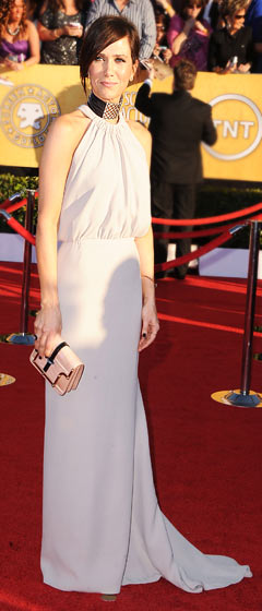 PIC: Kristen Wiig Wears Thick Black Choker to SAG Awards