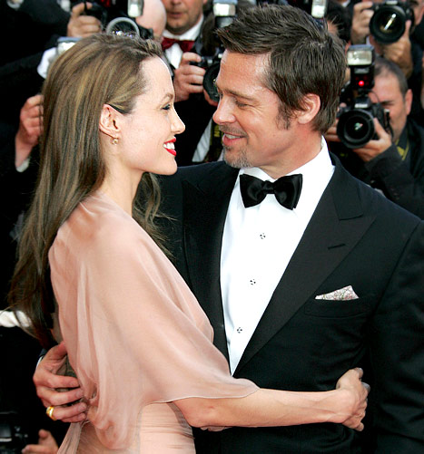 "Angelina Jolie ""Cried"" When Brad Pitt Proposed"