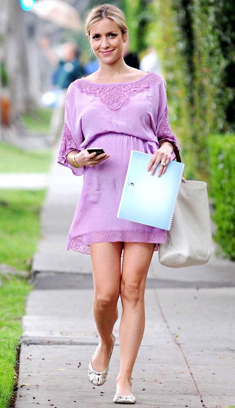 PIC: Pregnant Kristin Cavallari Shows Off Baby Bump in Chic Purple Dress