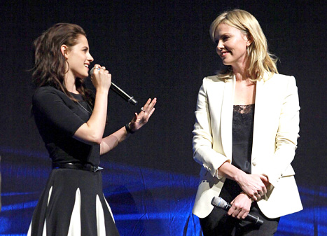 "Charlize Theron: ""I Really, Really Love"" Kristen Stewart"