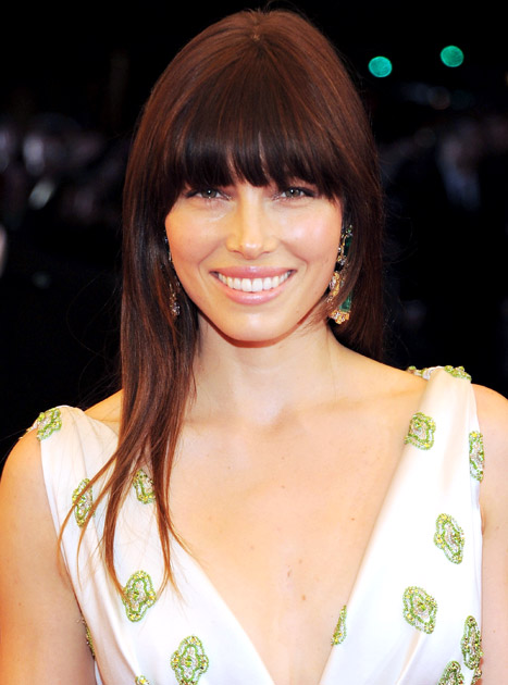 Jessica Biel Joins Twitter, Makes Boob Jokes