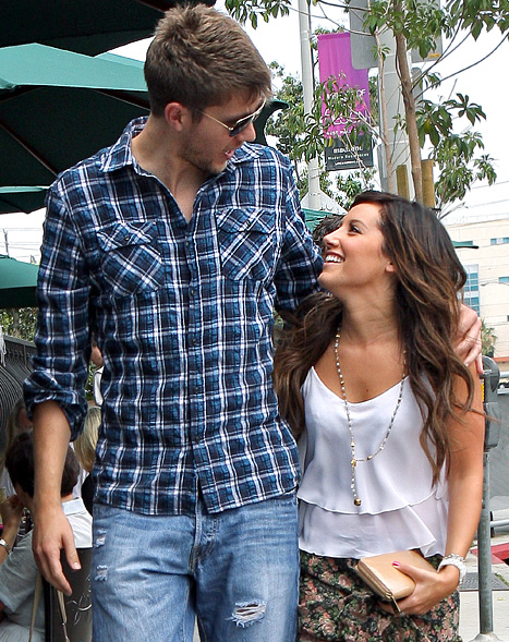 """Ashley Tisdale """"Doing Great"""" With On-Again Beau Scott Speer"""