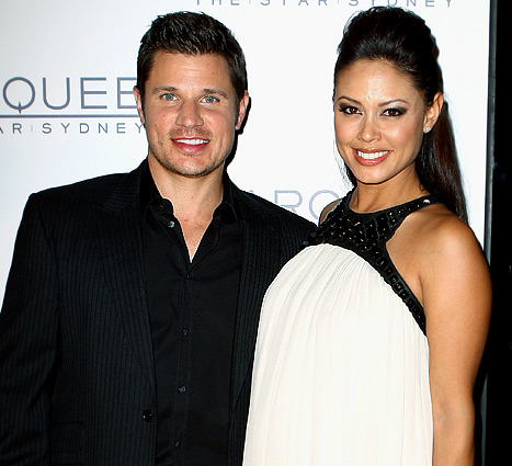 "Pregnant Vanessa Minnillo: Nick Lachey ""Has Cravings, Gas"""