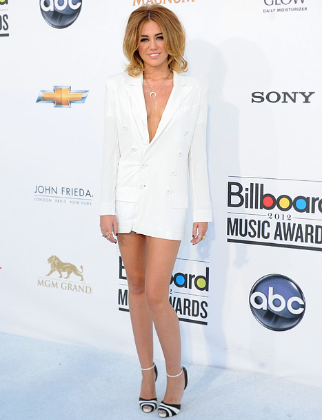 Miley Cyrus Risks Nip Slip in Daring, Pants-less Look at Billboard Awards