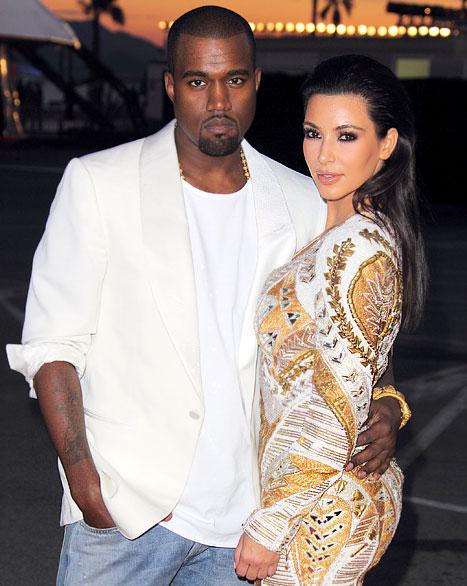 """Proud Girlfriend"" Kim Kardashian Tweets Her Love for Boyfriend Kanye West's New Video"