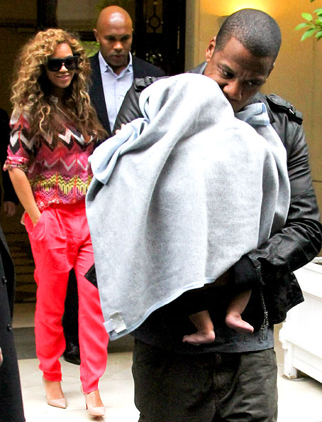 PIC: Beyonce, Jay-Z Bring Baby Blue Ivy to Paris