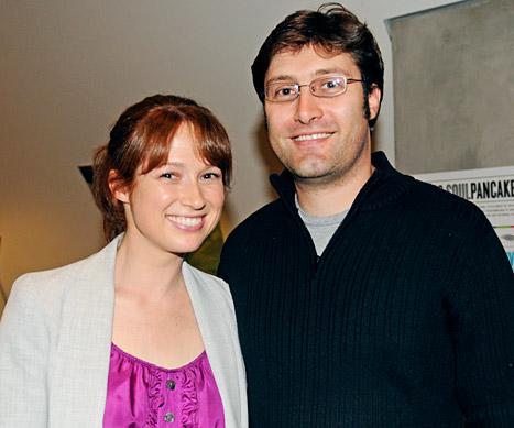 Ellie Kemper Marries Michael Koman!